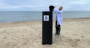 See how the industrial NanoseenX water filter of the future turns saltwater into drinking water in 2-5 minutes.